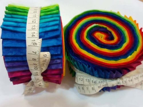 BECOLOURFULL.  Jelly Roll JAQUELINE DE JONGE Colection. 36 units of 110cmx7cm each.