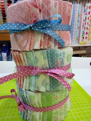 RING A ROSES. Jelly Roll GUTTERMAN. 34 tessuti di 110cmx7cm.